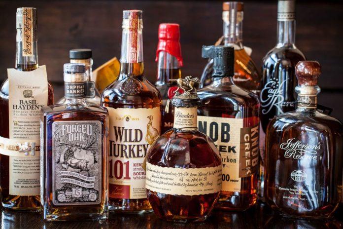 Differenza tra bourbon e whiskey americano