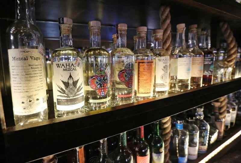 Bottiglie di Mezcal
